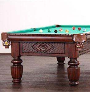 Poolbillard Tisch